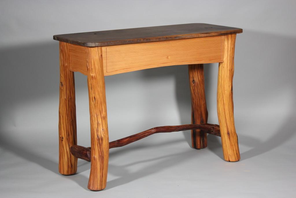 Juniper serving table